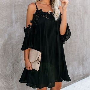 Cold shoulder crochet flowy dress